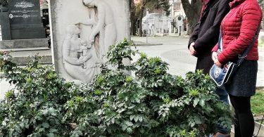 """Članovi Redakcije studentskog časopisa """"Medicinar"""" obeležavaju 8. mart sećanjem na prvu srpsku lekarku."""